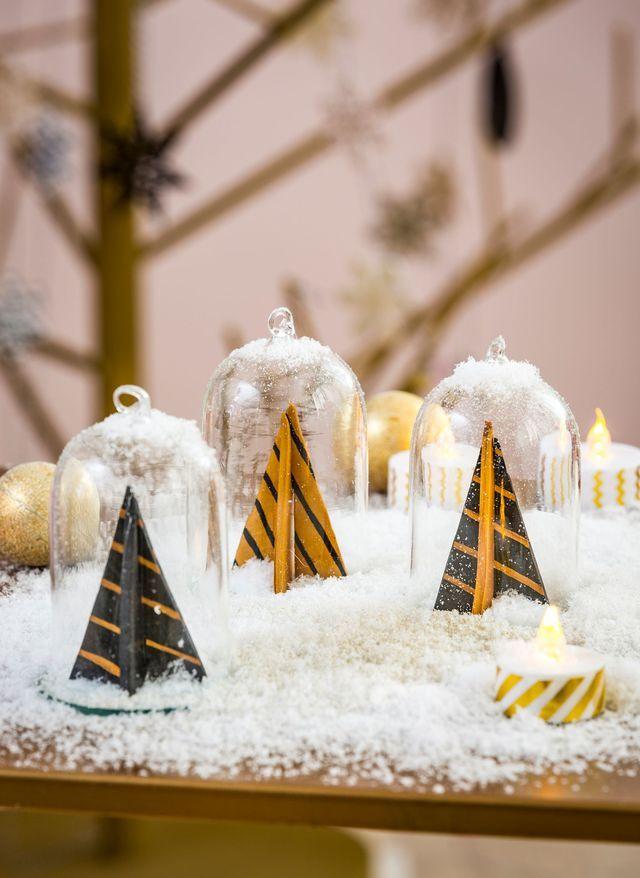 Déco Noel noir et or : guirlande, boule, déco de table... - Côté Maison