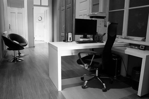Pracovní místo naší milé back office, která má naprostý přehled o všem a která denně vítá klienty s úsměvem na tváři. :-) https://www.shopnero.cz/