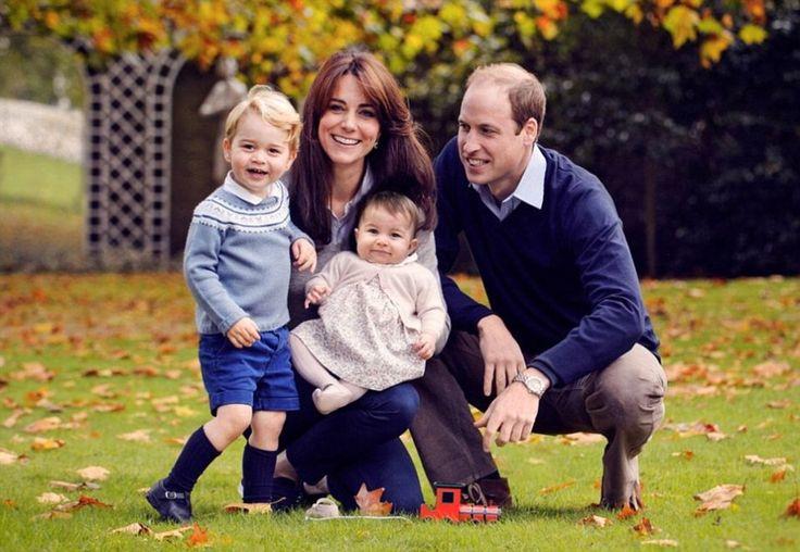 Gb, gli auguri di Natale di William e Kate: nuova foto di famiglia