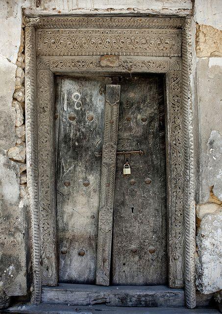 Old door in Bagamoyo Stone Town | Tanzania © Eric Lafforgue