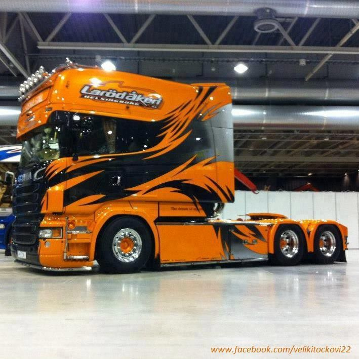 Scania Longline Customized, Looks like it would eat any vehicle in its path!