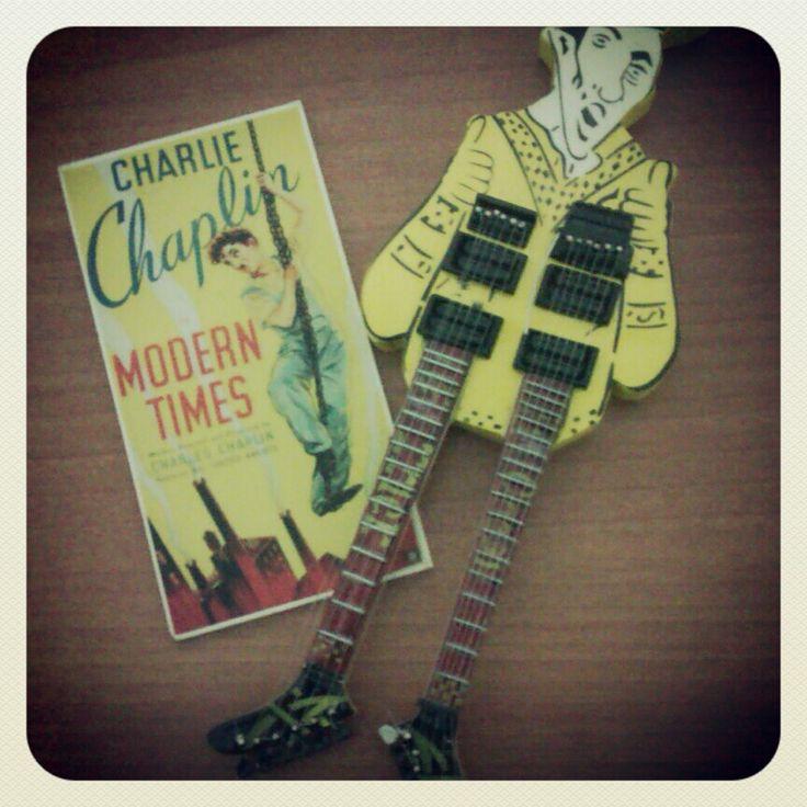 Charlie Chaplin & Guitar Man