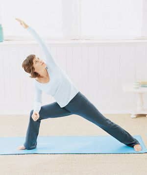 15 Minute Yoga - Real Simple: Focus and relax your mind while building strength and increasing flexibility