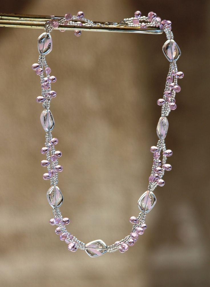 Pink statement necklace made by HeartBeads. https://www.facebook.com/heartbeadsjewellery