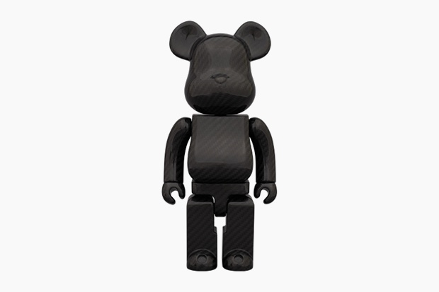 """Medicom Toy Bearbrick 400% """"DRY CARBON    The Bearbrick has seen itself recreated more and more in a variety of unconventional materials. Medicom Toy releases its latest Bearbrick iteration via a black autoclave dry carbon edition. The powerful composite is given an all-over treatment across the sleek 400% edition. Developed in conjunction with Amerix Inc, the limited edition Bearbrick is being offered in limited supply via Project 1/6 with a retail of ¥148,000 JPY (approx. $1,900 USD)."""