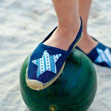 Des espadrilles ornées d'une étoile // sandals with stars
