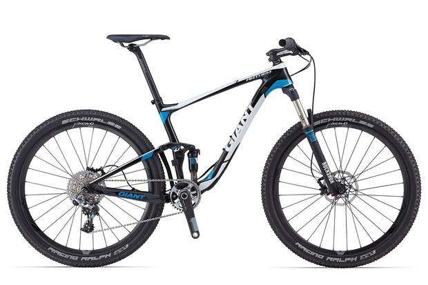 Adopting smaller 27.5'' wheels, the Anthem Advanced is the most elite bike to make use of this new design technology