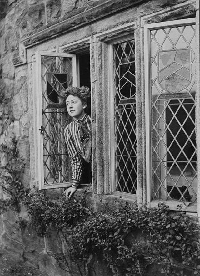 vintage everyday: 13 Rare Photos of The Queen of Crime Agatha Christie