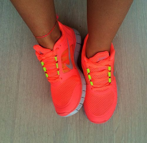 Special price Last 3 Days, Great website for Men and Women Roshe Runs only 21.00USD for gifts. Repin it for friends immediatly.