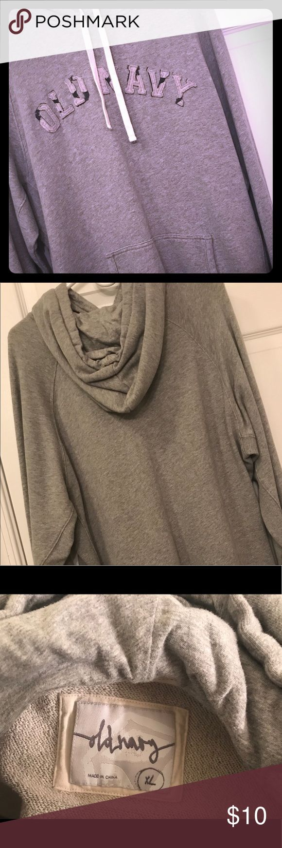 Old Navy hoodie 🛍🛍Like-new Men's Old Navy hoodie ❄️warm, smoke-free home!  No signs of wear or damage! Old Navy Shirts Sweatshirts & Hoodies