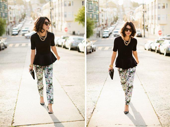 floral & blackA Mini-Saia Jeans, Black Peplum Tops Outfit, Prints Pants, Floral Prints, Style Inspiration, Fashion Ii, Chic Style, Floral Pants, Floral Jeans