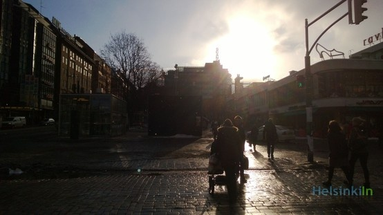 Sun and snow on Mannerheimintie
