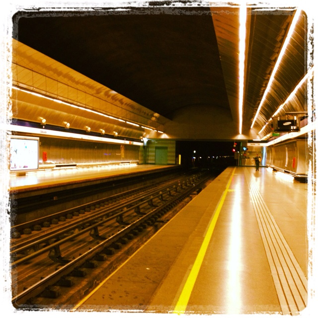Metro, estación Tobalaba, Línea 4