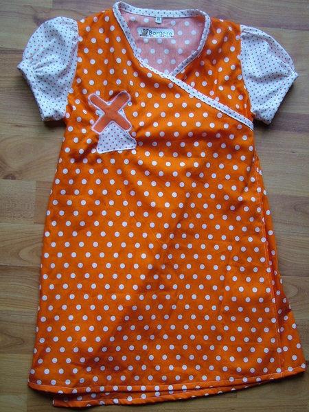 Oranje jurk Clementine van Borgero via http://nl.dawanda.com/