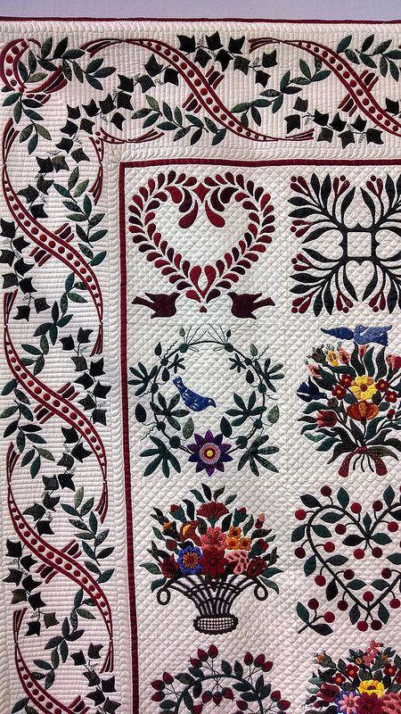 USE THIS BORDER!!  Baltimore Album quilt. Love, love, love the ribbon border!