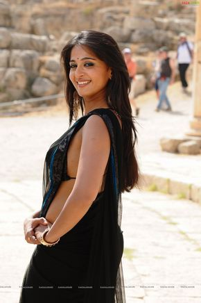 Anushka Shetty In Sleeveless Saree And In Bikini For The Movie Ragada With Nagarjuna She