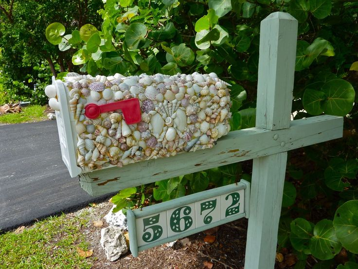 Seashell Encrusted Mailbox - Google Image Result for http://iloveshelling.com/blog/wp-content/uploads/2010/09/shell-crafter-mailbox.jpg