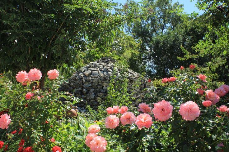 tipica costruzione in pietra, Tholos, noi ci conserviamo il vino