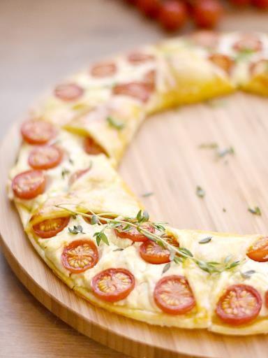 Couronne feuilletée tomates cerise, chèvre et moutarde - Recette de cuisine Marmiton : une recette