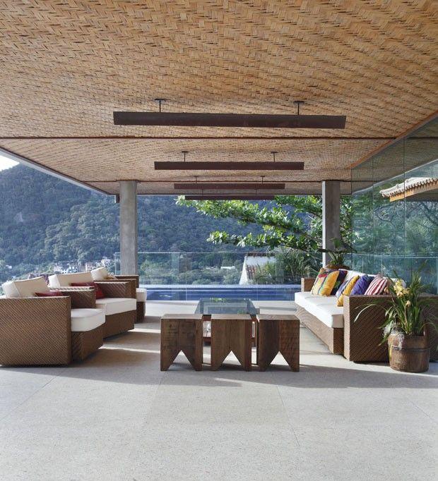 Casa no Joá, Rio de Janeiro   por Miguel Pinto Guimarães Arquitetos Associados