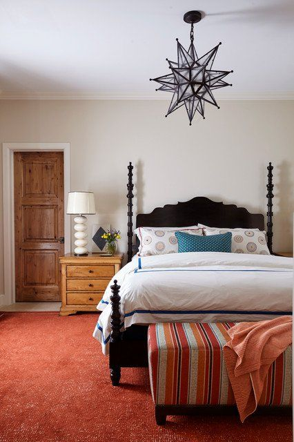 Even though the southwestern home design style is very similar to the farmhouse and country styles, there is something about it that makes it very different and easily recognizable, especially in your bedroom. Take a look at these 17 southwestern bedroom designs that are simply relaxing.