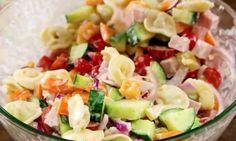 Ma salade de tortellinis express au fromage à l'hawaïenne est renversante!
