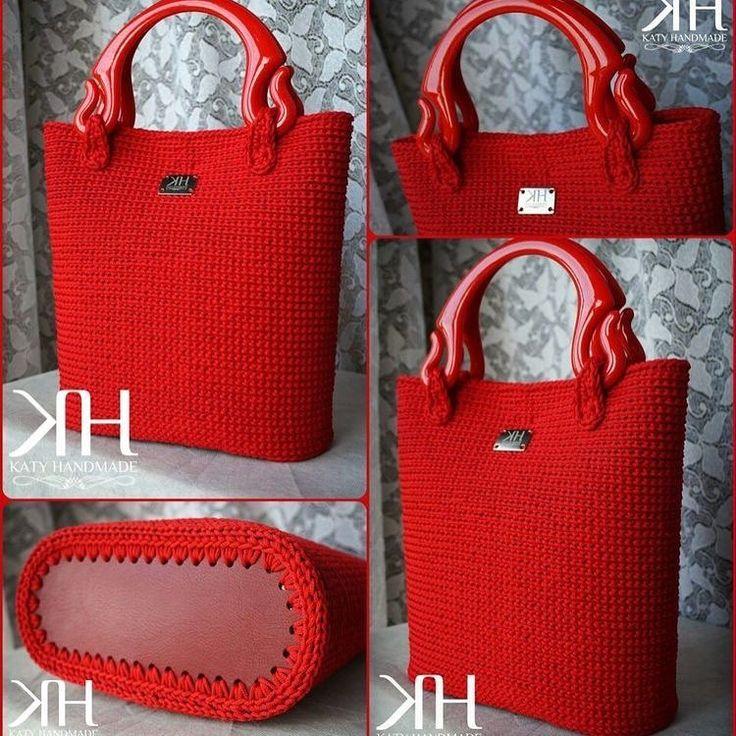 """3,666 Likes, 58 Comments - @pembeorgu on Instagram: """"#knitting#knittersofinstagram#crochet#crocheting#örgü#örgümüseviyorum#kanavice#dikiş#yastık#blanket#bere#patik#örgüyelek#örgü#örgübattaniye#amigurumi#örgüoyuncak#vintage#çeyiz#dantel#pattern#motif#home#yastık#severekörüyoruz#örgüaşkı#pattern#motif#tığişi#çeyiz#evdekorasyonu"""""""