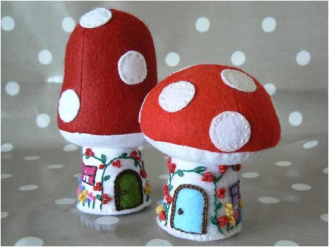 Toadstool Cottage and Mushroom House: free pattern and tutorial « The little house by the sea