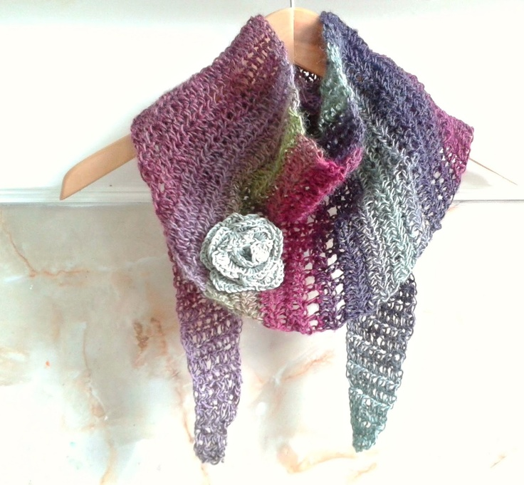 Baktus Scarf - by hoppingStill http://www.ravelry.com/patterns/library/croche...