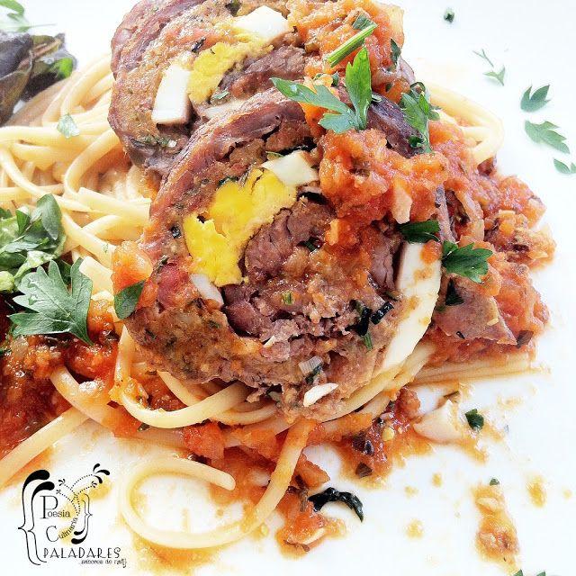 Paladares {Sabores de nati }: Bruciuluni - Falsomagro / Rollo de carne relleno en salsa marinara