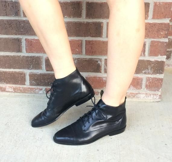 1f7d285fe752e vtg 80s BLACK Lace Up ANKLE BOOTS 8 sleek leather booties flat ankle ...