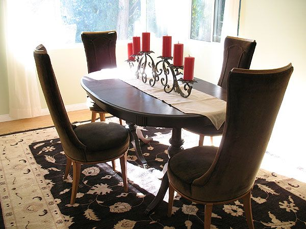 Dining table candle centerpiece