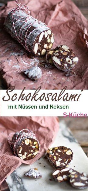 Rezept für Italienische Schokoladen-Salami - Salame di Cioccolato mit Keksen und Knuspernüssen, das perfekte Geschenk für Schokolover
