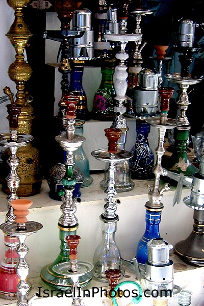 hokah muslim singles A hookah (from hindustani: हुक़्क़ा , حقّہ ‬ , ipa: [ˌɦʊqqaː] also see other names), also known as the ḡalyān (persian: قلیان), is a single- or multi-stemmed instrument for vaporizing and smoking flavored tobacco (often mu'assel), or sometimes cannabis or opium, whose vapor or smoke is passed through a water basin—often glass.