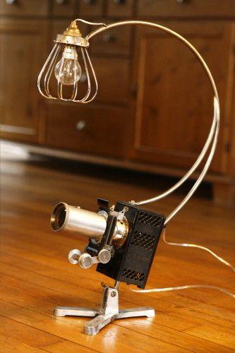 Création lampe luminaire unique art récup' ancien projecteur de film