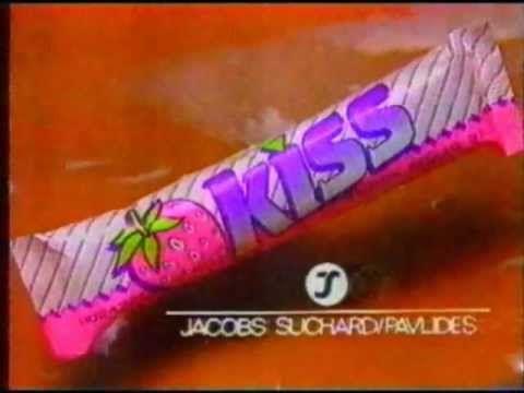 Θα προσπαθήσουμε να κάνουμε ένα αφιέρωμα στα σνακ των 90s.. Τότε που πηγαίναμε στο περίπτερο και τσακίζαμε ότι υπήρχε!! Πολλά από αυτά τα αγαπήσαμε.. άλλα τα μισήσαμε.. κάποια υπάρχουν ακόμα.. κάπο…