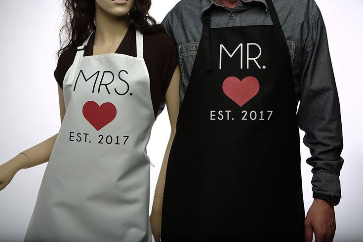 Cooking Mr. & Mrs Couples Kitchen Aprons (2-Piece Set) Home Kitchen Wedding Gift