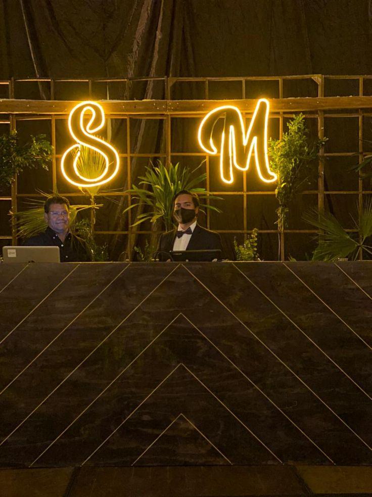 Luces de Neón para tu boda Neon Lighting, Lights, Wedding
