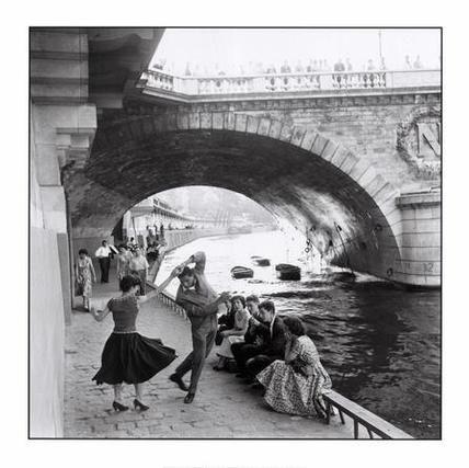 Dancing under a bridge in Paris: Quai De, Paris, In Which, Paul Diamonds, On, Rolls, Les Which, Dance, Rocks
