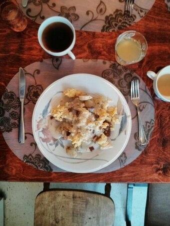 #Farmersmarket breakfast #poutine: scrambled eggs, bacon, #LittleQualicum cheese curds, backyard Rosemary & bacon gravy. Ambrosia apple juice, Amaro Gayo coffee from Salt Spring.