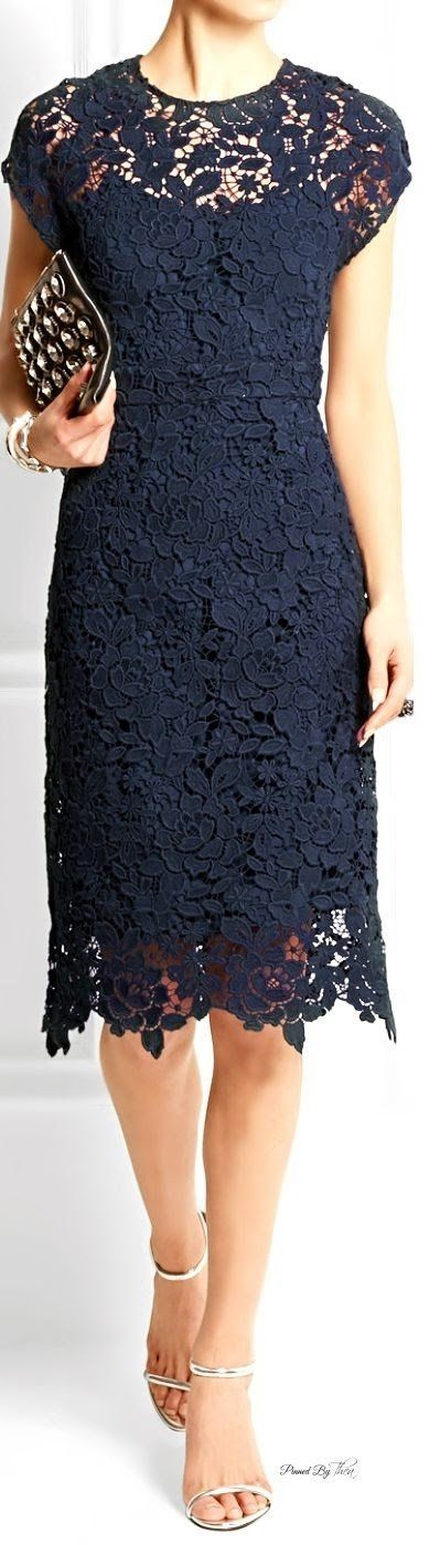 Ember Willowtree — Fabuloso vestido de encaje para salir de fiesta...
