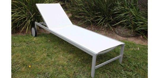 Azzura aluminium sunlounge white