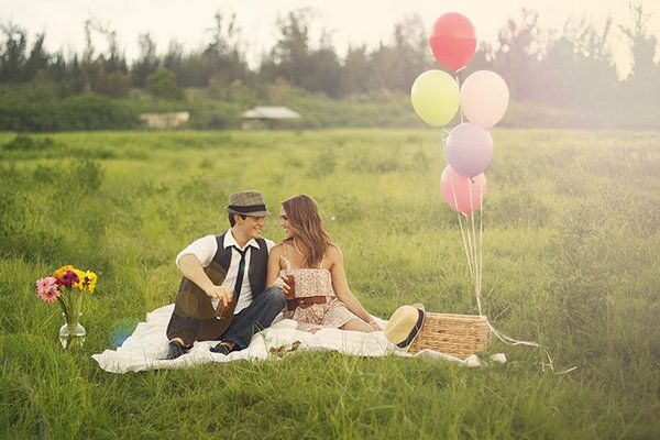 Vintage Picnic Engagement Session by Bella Chic Photography  Read more - http://www.stylemepretty.com/florida-weddings/2011/12/12/vintage-picnic-engagement-session-by-bella-chic-photography/