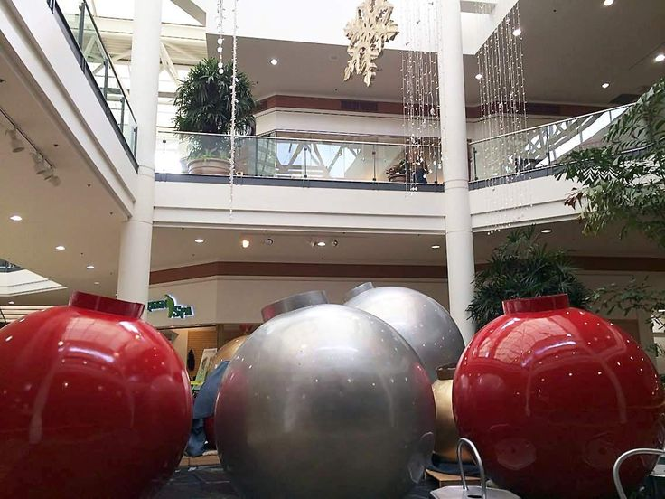 Charleston Town Center to begin decorating for Christmas