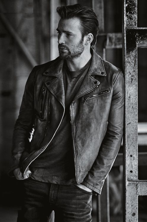 "Chris Evans.  I typically don't find him ""all that"", but this is a great photo of him.  Yum!"