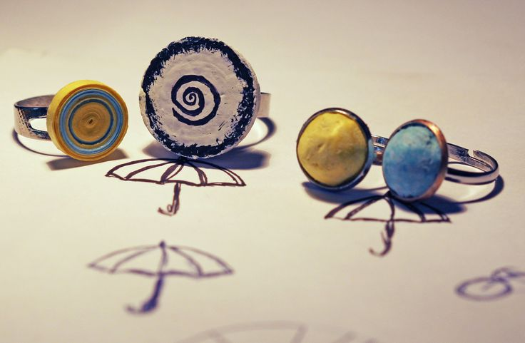 Upcycling paper and cork to make rings!Soon on our website!