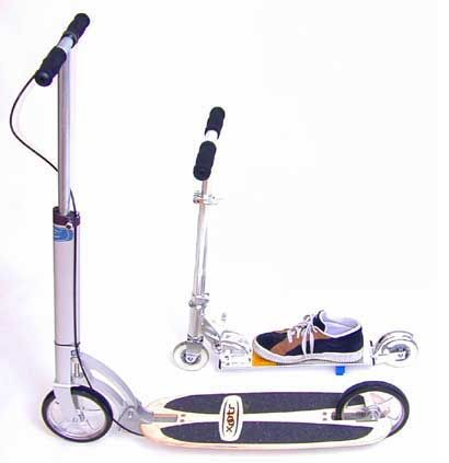 Side by side comparison of a Xootr kick scooter to a Razor