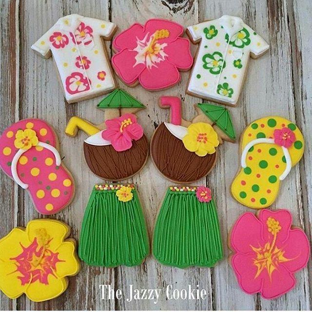 Darling darling darling!!! Cookies by @thejazzycookie #hawaii #cookies #decoratedcookies #sugarcookies #flowers #hawaiian #fun #honolulu #baker #homemade #cookie #diy