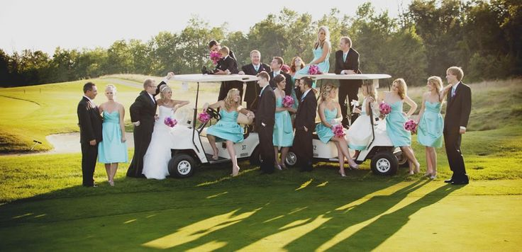 A golf wedding picture??!?!?!? Soooo doing this :)