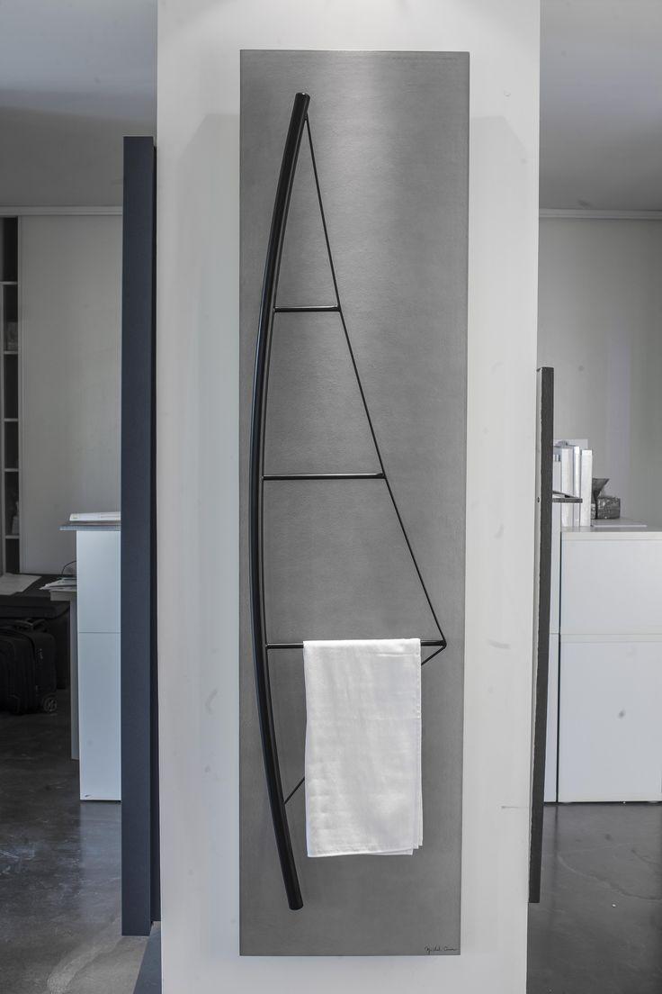 Seche-serviettes VOILE en NOIR MAT. Made in France Designers Towel warmers CINIER VOILE - Black matt. Made in France.